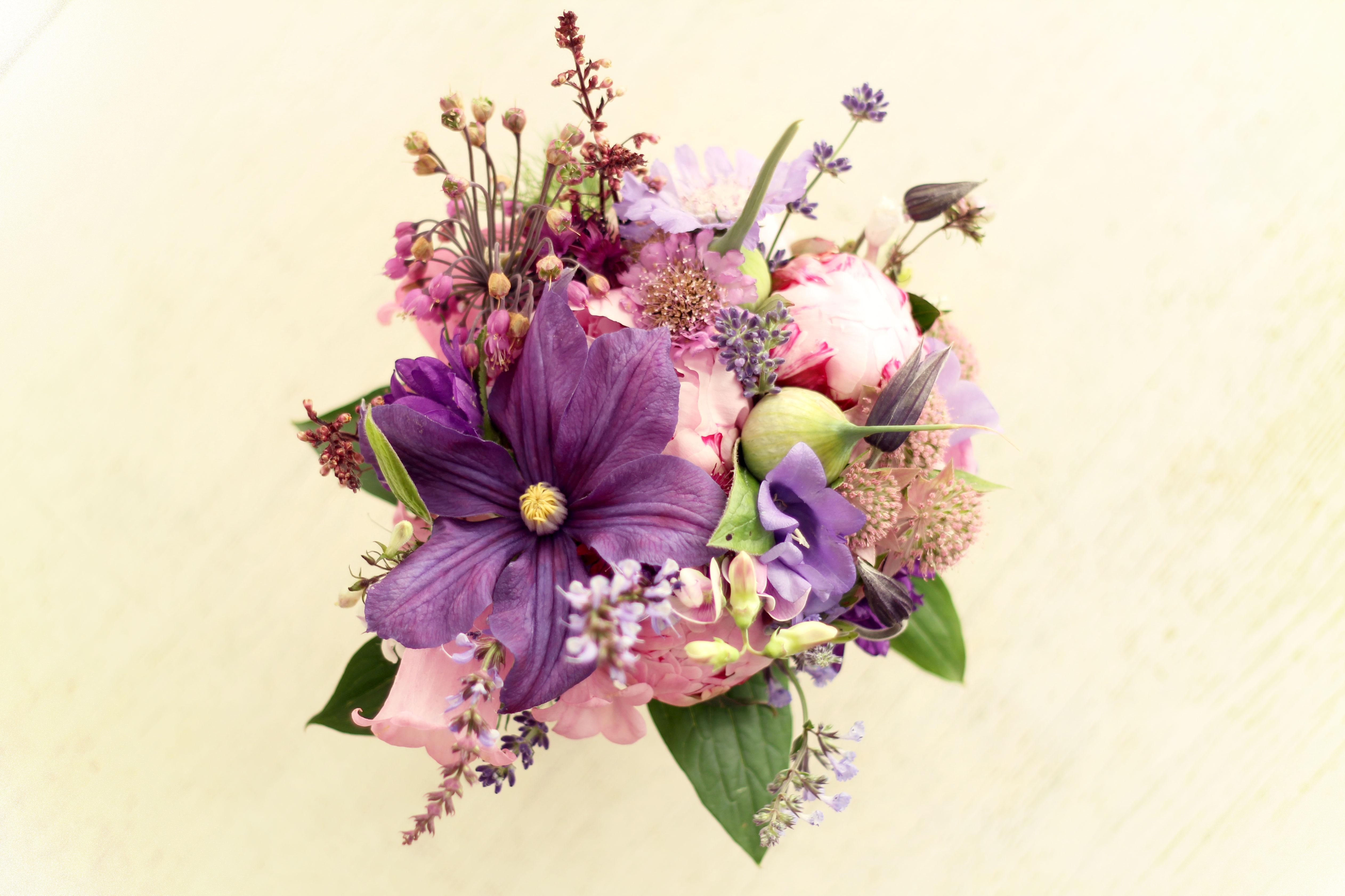 Bruidsboeket | Biologische bloemen en prachtige kleuren