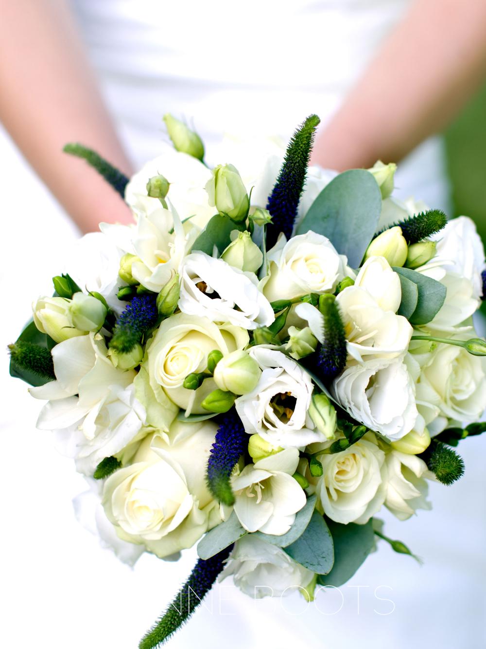 Bruidsboeket | Rozen, Lisianthus, Freesia's en Veronica
