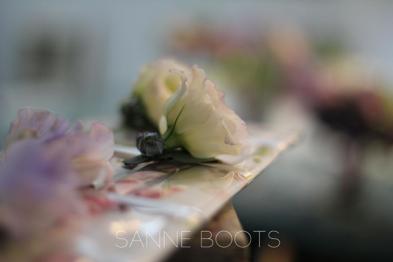 Haarcorsage | Lisianthus; mooie, lichte bloem