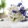 Bruidsboeket | Trouwen in Utrecht met een prachtig boeket in wit en blauw